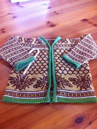Beeeeeeee sweater